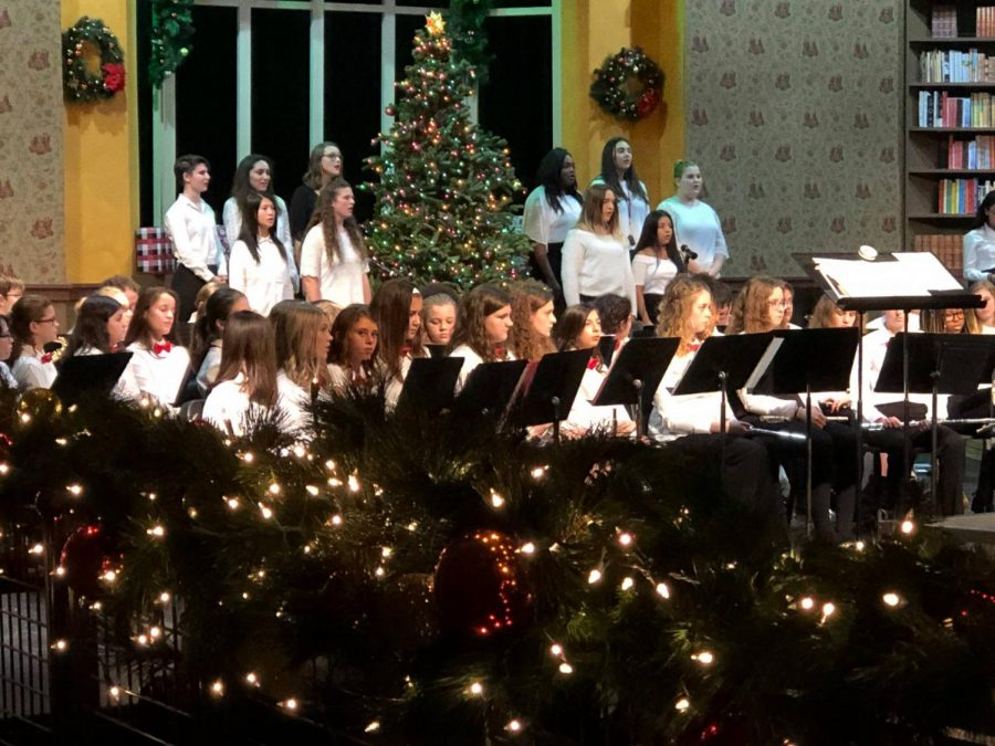 Students+perform+during+Gifts+of+the+Season+in+December+2018.