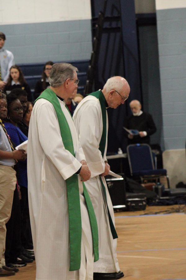 Local+priests+of+the+metro-Jackson+area+attended+the+annual+Grandparents%E2%80%99+Mass.